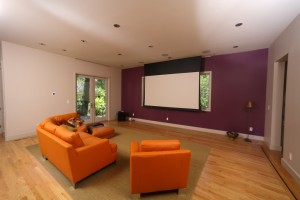 living-room-motorized-screen